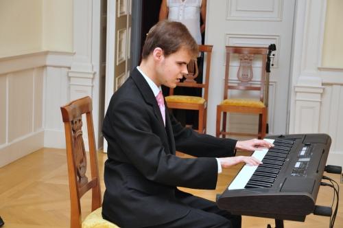 Jánoki Márió koncertet adott Fehérvárcsurgón